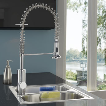 Professional-style kitchen faucet