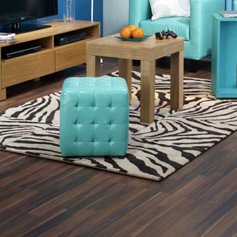 installer un plancher flottant 1 rona. Black Bedroom Furniture Sets. Home Design Ideas
