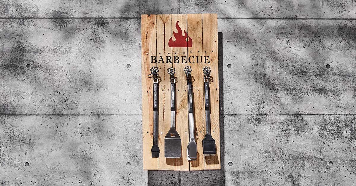 Barbecue tool storage rack
