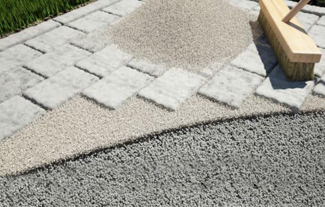 Installer des pavés de béton ou des dalles de patio | RONA