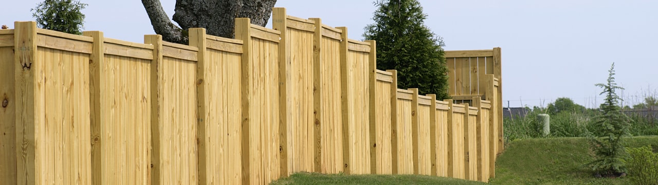 Property fencing: planning and installation | RONA
