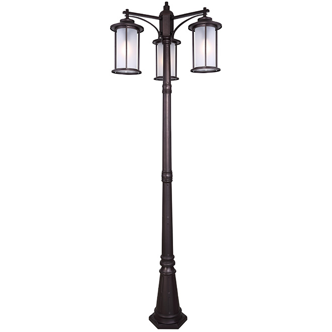 Trenton 3 head outdoor lamp post rona for Luminaire sur pied exterieur