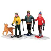 Skiing with Friends - Village Figures
