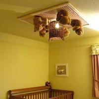 clairage lampe originale au plafond pour bb pour attirer son - Eclairage Chambre Bebe
