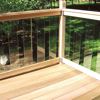 Outdoor railing 1 rona for Garden decking glass panels