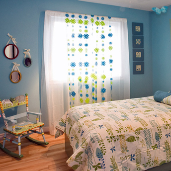 Cheerful sheers in a child bedroom