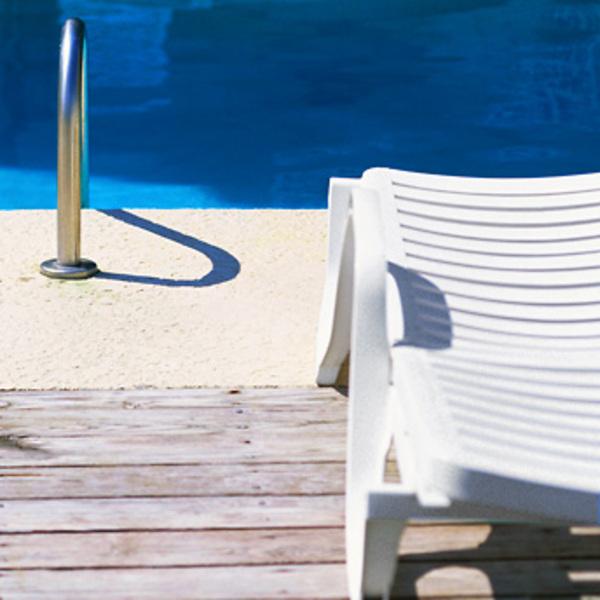 ouvrir et entretenir sa piscine guides d 39 achat rona. Black Bedroom Furniture Sets. Home Design Ideas