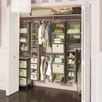 Hanging storage maximizes storage space