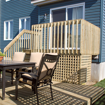 Treated wood 1-level deck with lattice