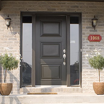 Exterior door with two side panels
